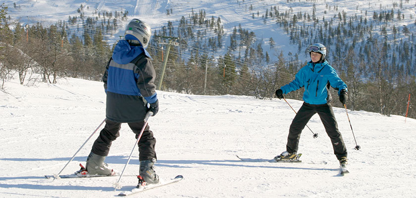 finland_lapland_saariselka_ski-school-lesson.jpg